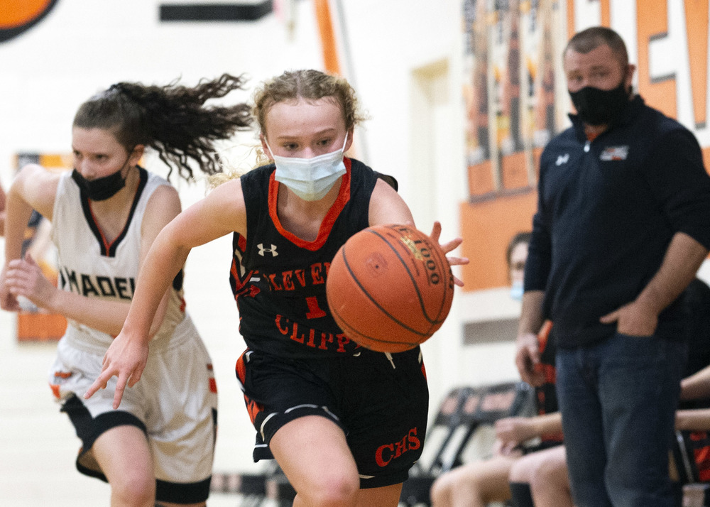 Madelia defeats Clippers B girls