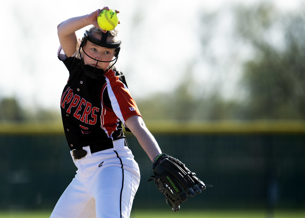 Varsity softball wins two conference games, falls to NUC