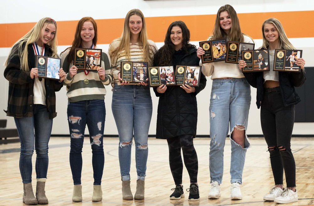 Clipper volleyball wraps up 2020