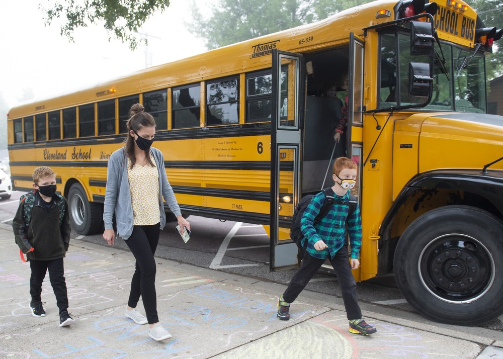 Cleveland elementary kids return to school