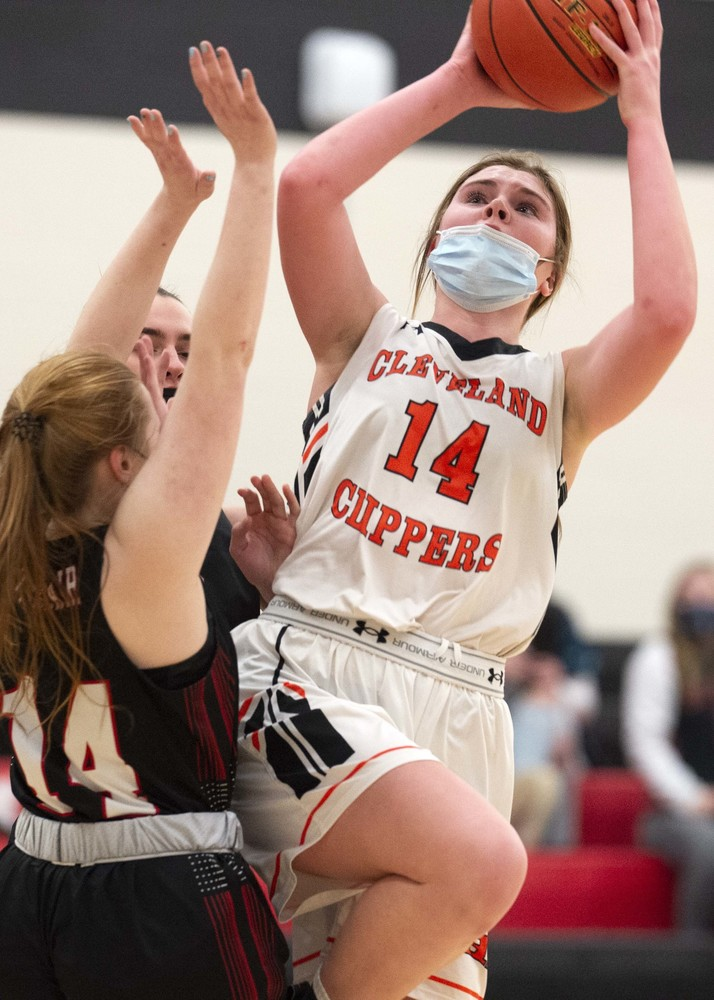 St. Clair slips past Clipper girls